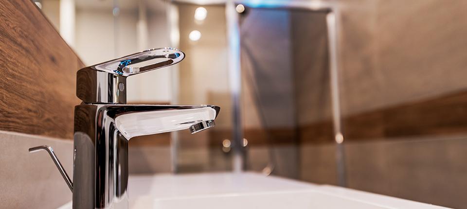 Deep Cleaning Kitchen Sinks